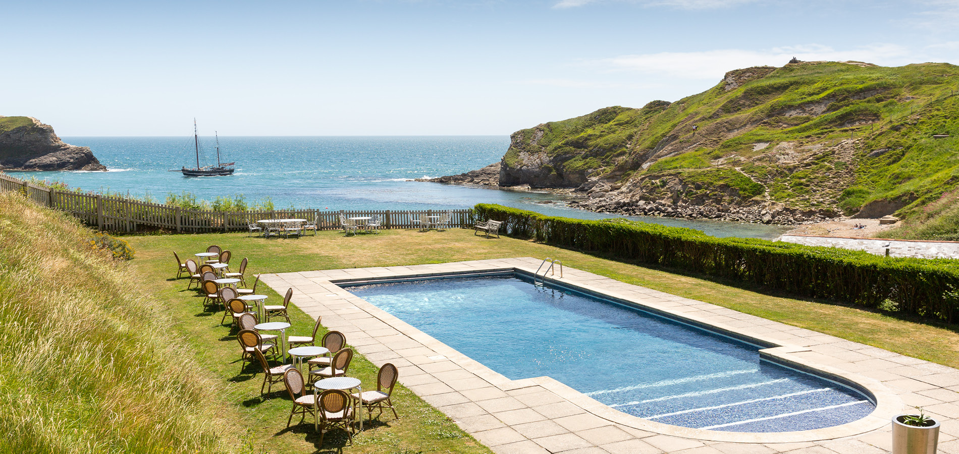 Lulworth Cove Hotel with Pool - Rudds